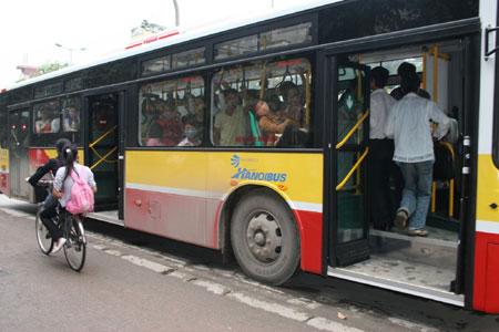 1410853679_xe-bus-den-khu-do-thi-times-city