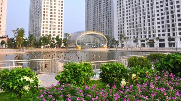 khuôn viên xanh tại times city